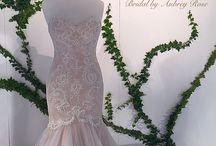 Champagne gowns / Our gowns with a soft warm tone