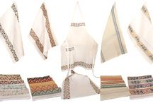 LINEN: BATHROOM LINEN / bath towels, shower curtains