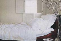 Bedrooms / by Sidney Pietrak Seubert