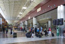 Aeropuerto de Tenerife Sur / Situado al sur de la isla, en pleno corazón de la zona turística, el aeropuerto de Tenerife Sur fue inaugurado por la Reina doña Sofía el 6 de noviembre de 1978. http://ow.ly/Gx48H