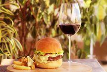 Lanches e hambúrgueres / Receitas de lanches diversos como sanduíches, hambúrgueres e muito mais.