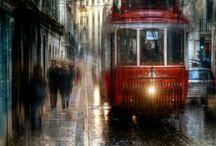 lotta smiley (uomo man) tram.stupendo in stretta via all' imbrunire con pioggia