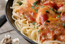 Italian and Pasta Recipes / by Dianne Hawley