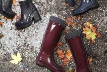 HUNTER Boots - Gummistiefel / Die Klassiker für nasskaltes Wetter, jetzt auch bei uns: Die aktuellen HUNTER Boots lassen uns diesen Herbst/Winter 2016 im Regen tanzen!   Ob hoher oder niedriger Schaft, mit oder ohne Absatz: Bei HUNTER ist die ganze Palette an Modellen geboten.  Die Hunter Gummi-Stiefel kann man lässig zu einer Ripped Jeans in Kombination mit einem weiten Poncho tragen. Auch Accessoires, wie ein großer Wollhut, ergänzen das herbstliche Outfit hervorragend. ►  http://bit.ly/KONEN-HUNTER-Boots-Damen-HW16