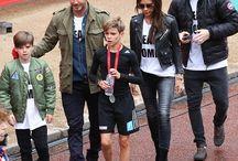 Celebridades, David e Victoria Beckham , Estilo de Roupa, Sapatos, Jóias ... / Celebrities, David and Victoria Beckham Family, Style Clothing, Shoes, Jewelry ...