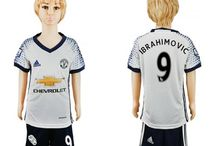 Billige Zlatan Ibrahimovic trøje Børn / Billige Zlatan Ibrahimovic trøje Børn på online butik. Zlatan Ibrahimovic hjemmebanetrøje/udebanetrøje/målmandstrøje/trøje langærmet tilbud  med eget navn.
