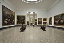 Virtual Tour. Sala IX. Dipinti veneti del XVI secolo. / La sala nasce per ospitare la Galleria reale del palazzo delle Scienze e delle Arti di Milano voluta da Napoleone I.