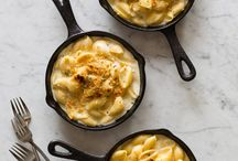 Mac and Cheese faves / All mac and cheese all the time / by Shelly Jaronsky (cookies and cups)