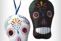 Skulls | Dia de Los Muertos / I am totally in love with Dia de Los Muertos < sugar> skulls / by Fee @ kinky-cherries.com
