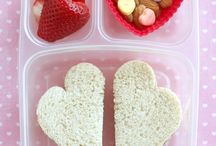 Valentines Day DIY & Recipes / DIY decor, date night ideas, and Valentine's Day recipes