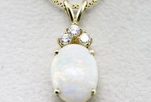 Opals / Stone of a thousand lights