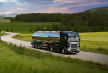 # DIS TRUCK SILO / TRUCK SILO Cysterny spożywcze .Służą do przewozu materiałów, artykułów orazpółproduktów spożywczych takich jak czekolady, koncentraty, wyroby mleczne ikomponentów doich produkcji. Również produktów sypkich. Mobile:+48.606.282.579 Mail: disgroup.logistics@vp.pl