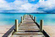 Porti del mondo / Città di mare, città di porto, dove infinito è il naturale incontro tra mare e uomo.
