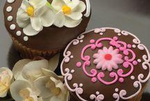 Cake/ Cupcake Decorating / by Crystal Porter