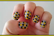 Estampación a mano alzada negro y amarillo / Manicuras,Nail art