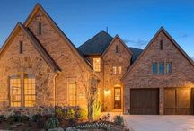 Fairway Ranch 65 / Fairway Ranch 65 is soon to be Roanoke's most elegant and largest custom new home community that. Once part of famed golfer Byron Nelson's historic ranch, it overlooks 100 acres of pecan forests and river bottoms. Surrounded by expansive greenbelts, neighborhood parks, miles of walking trails, and state-of-the-art amenities, Darling Homes offers elegant 1 and 2 story homes with up to 4 bedrooms and 4.5 baths. Fairway Ranch is located in Denton County, minutes from downtown Fort Worth.