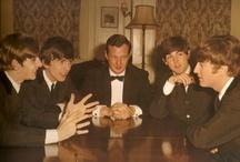 "Brian Epsteine рядом с ""The Beatles"" / менеджер легендарной группы с 1962 по 1967 годы."