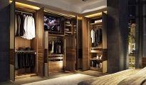 Šatny a skříně TEAM7 / Rafinované ukládání s šatními skříněmi Team 7 z masivního dřeva.