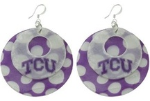 Gameday Earrings / Here you can find some of the best gameday earrings! If it is not pictured for your favorite team, be sure to check out the website to see if it is available for your school.
