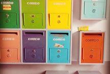 Downstairs | As nossas caixas do correio
