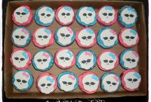 MONSTER HIGH / Monster High cakes, cupcakes & fondant decorations.