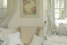 Shabby Chic style / by Mandy Thames