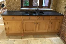 Used Bespoke Solid Oak Kitchen with Central Island / An approximatley 10 year old bespoke kitchen made from solid oak with Smeg appliances. Featuring a diamond shaped island, this kitchen is in pretty much immaculate condition having been very well looked after. Based in Spaldwick, Huntingdon PE28. Kitchen must be removed by January 2017.