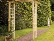 Wooden Garden Arches / Garden arch ideas and examples of decorative wooden garden arches and archways with trellis sides for attaching climbing plants
