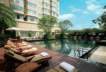 WakeUp SomeWhere 因為酒店所以旅行 / 是因為要住那家酒店,所以要去再訪那個城市。 還是,每次再訪那個城市,你第一時間會想到那家酒店。 / by Ray Chan