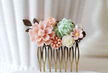 Gifts for the wedding party / Beautiful floral combs for bridesmaids or flower girls