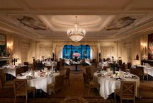 Banquet & conference facilities at Shangri-La Hotel, Paris / The architecture and history of our meeting rooms are such that two-thirds of them are registered under the protection of French Historical Monuments. Restored to their original beauty to accommodate the most elegant events, with almost seven-metre high ceilings, they are truly unique venues.