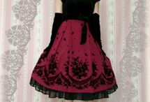 Love- Japanese Fashion / Lace, petticoats, layering, arm warmers glore! Its a whole other world here!