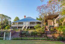The St Lucia Garden by Steven Clegg Design / A cottage style garden for modern living.   www.stevencleggdesign.com.au
