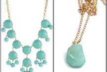 Accessories we ♥ / Change your entire look by just changing up your accessories.