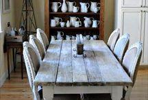 rustiikkinen pöytä