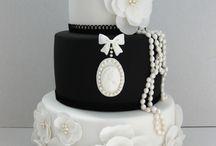 blak and white cakes