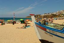 Kleurrijk Portugal / Aanschouw het echte Portugese leven: koffiehuizen en authentieke restaurantjes waar je kan smullen van de uitgebreide Portugese keuken en de traditionele fadomuziek. En dan natuurlijk die mooie langgerekte stranden, mondaine badplaatsen en de indrukwekkende natuur.