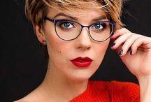Szemüveg + frizura