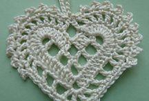 Corações de crochê