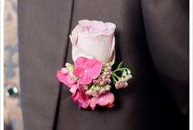Hochzeitsanstecker für den Bräutigam / Hochzeitsanstecker, Bräutigam, Echte Hochzeiten, Reinhardt & Sommer, www.reinhardtundsommer.de