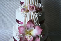 Wedding cakes for a chic bride / The most important moment of your wedding: the cake. Taste the difference!