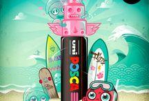 Posca / Met de Posca stiften creeër je je eigen kunstwerkjes. De stiften zijn bruikbaar op alle denkbeeldige ondergronden en zijn leverbaar in verschillende kleuren en diktes.