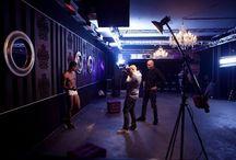 Bouya KN: Backstage / Hinter den Kulissen. Da wo noch einmal tief LUFT geholt wird um nicht nur fit für die Backstage-Bilder zu sein sondern entsprechend zu performen und gute Leistung zu erbringen.  ©B|K|N - www.bouyakn.com
