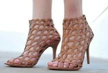 Sapatos Femininos   Female Shoes / Para saber mais acesse: www.carolvayda.com.br