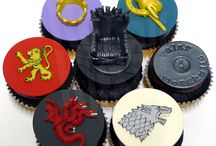 Game of Thrones Cakes and Cupcakes by The Regali Kitchen / We GoT cake & cupcakes for you! Frosting is here!
