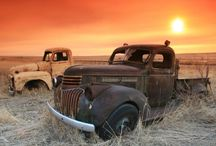 Old Cars/Motorcycles / by Leslie Sears