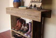 Pallet Crafts / by Lindsay Crawford