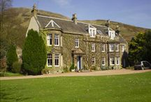 Parkhouse Bed & Breakfast / A warm welcome awaits you at Park House in the picturesque village of Kinnesswood. Each comfortable bedroom has a private bathroom, hospitality tray and hairdryer. Built in 1909, our beautiful, traditional house boasts stunning views of Loch Leven and Bishop Hill.