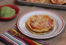 Easy Weeknight Meals / by Megan Cooper
