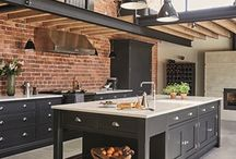 Kitchen Design Ideas / The kitchen is the heart of the home, and this board provides all of the kitchen decor ideas you need for any space! Featuring kitchen design, kitchen styles, modern kitchens, inspirational kitchens, inspirational kitchens, kitchen goals.